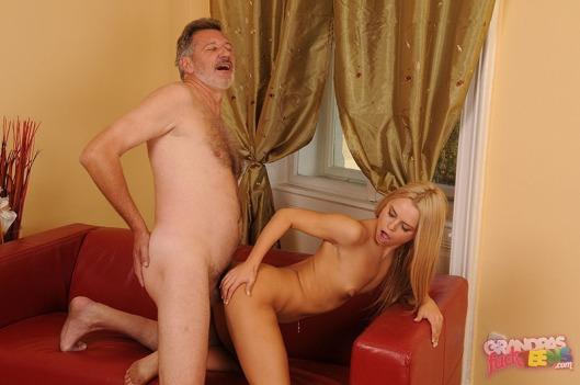 Смотреть видео зрелый мужик и молодая любовница
